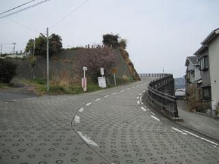 石垣山上り口