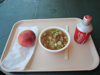 トン汁と桃